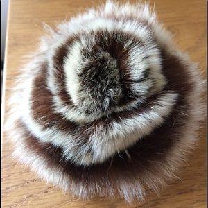 Accessories - 2 Rabbit fur Rose/flower pins